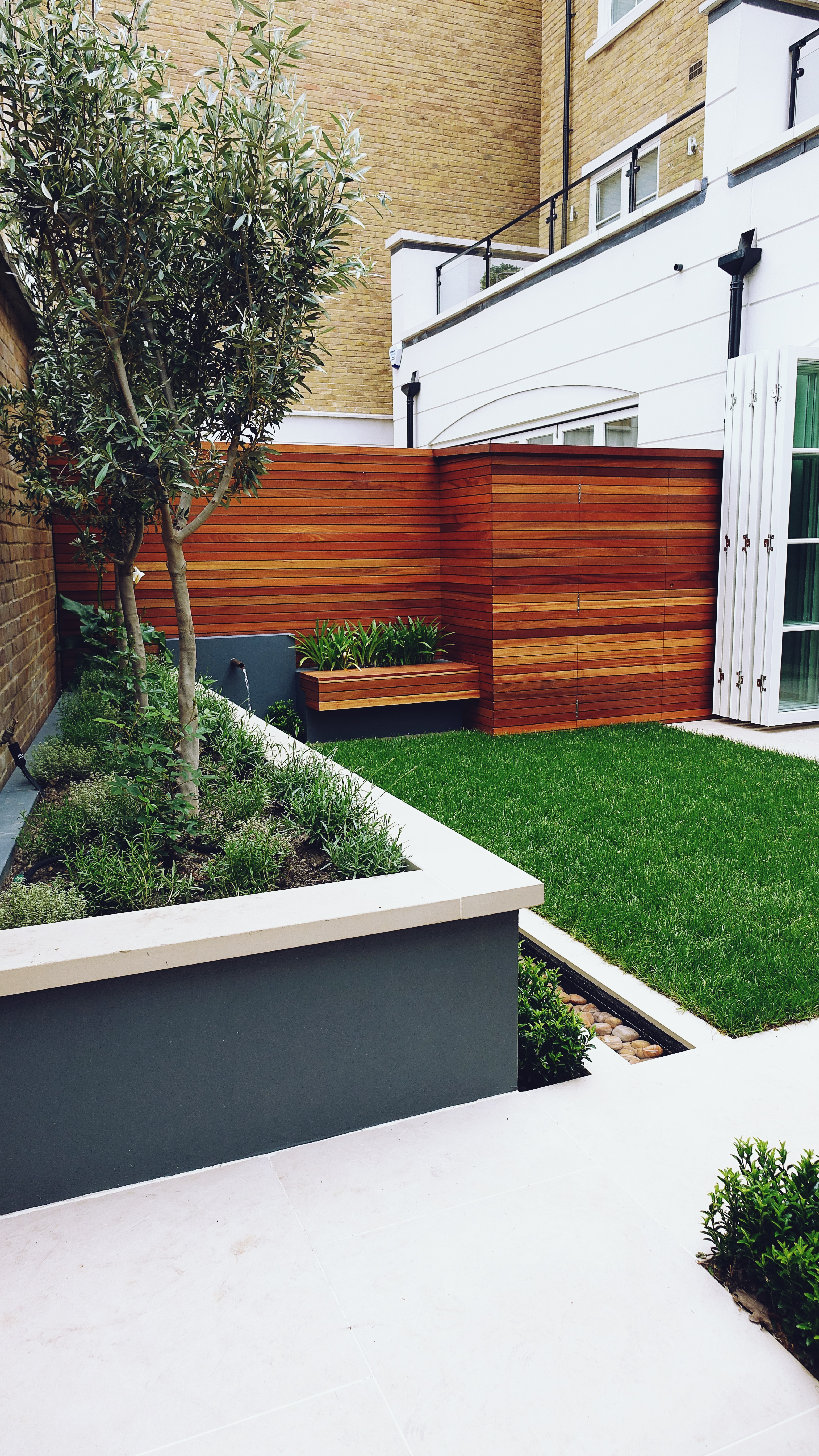 contemporary modern garden design london