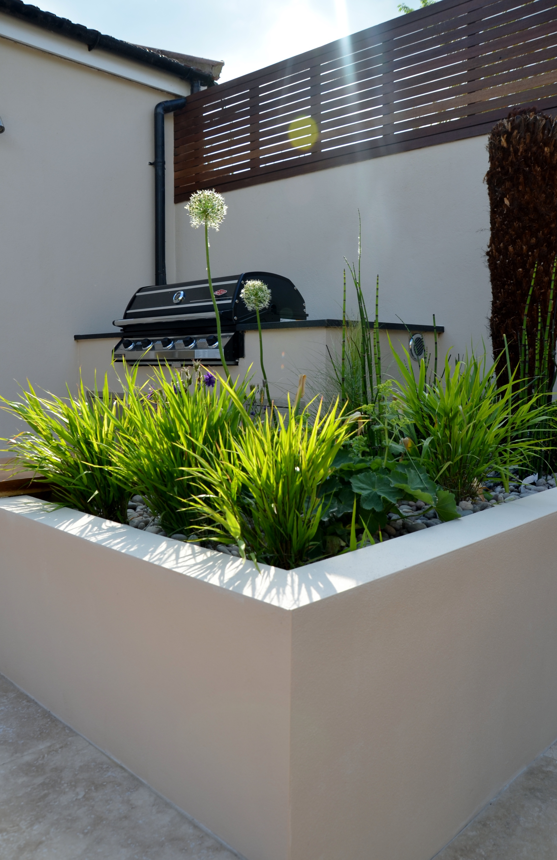 modern garden design outdoor room with kitchen seating  streatham battersea