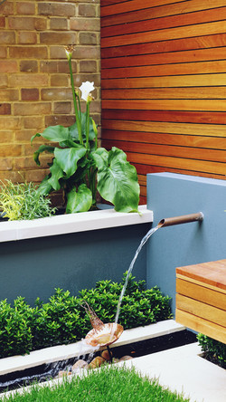 water feature fountain raised bed slatte