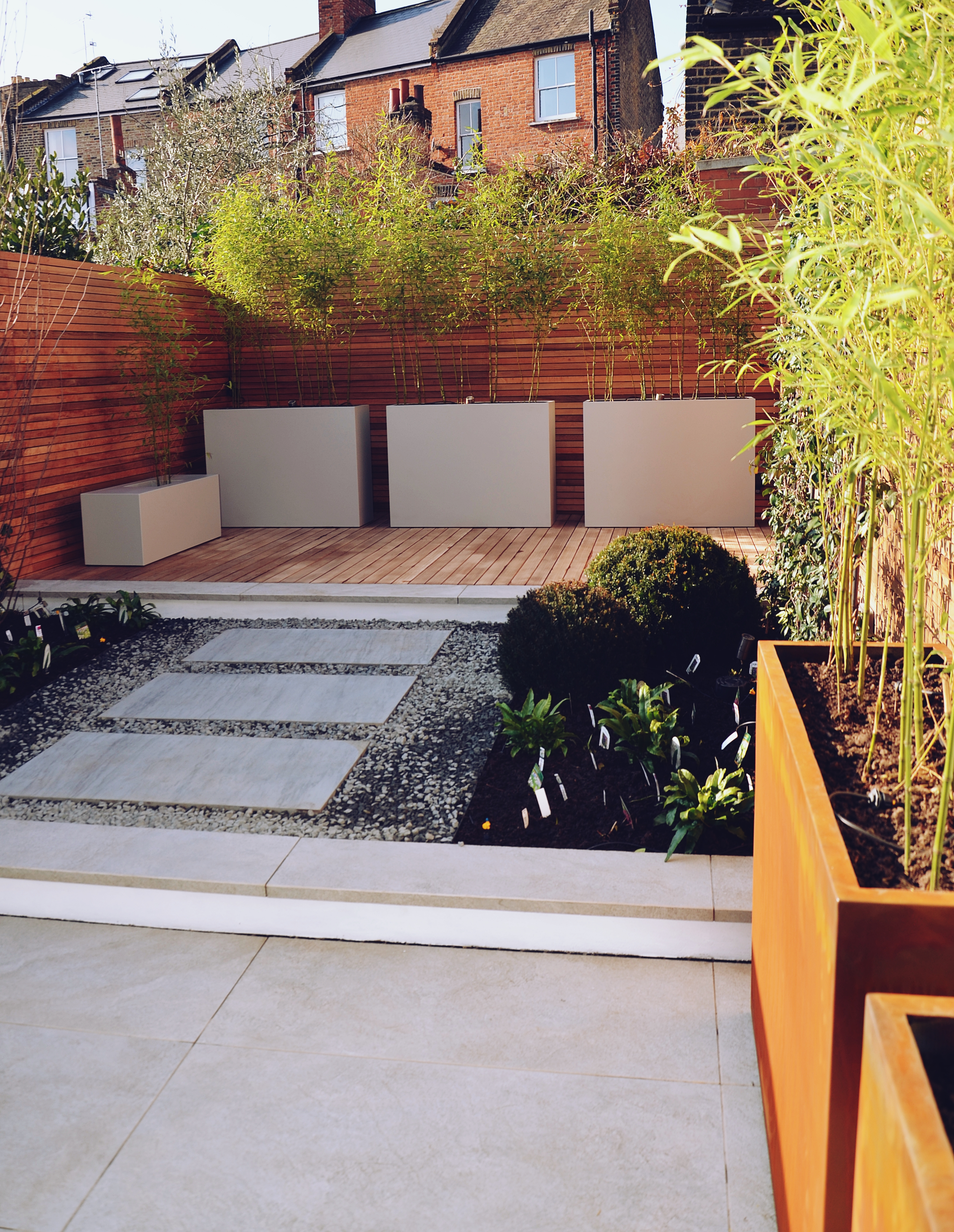 Garden builders Anewgarden Modern contemporary style London