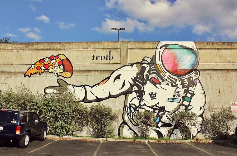 street-art-mural-graffiti-astronaut_CREA