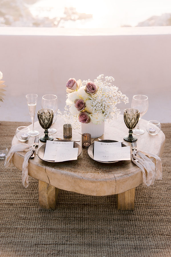 Ios Club elopement table setting styled by The Isle for Wedding Chicks