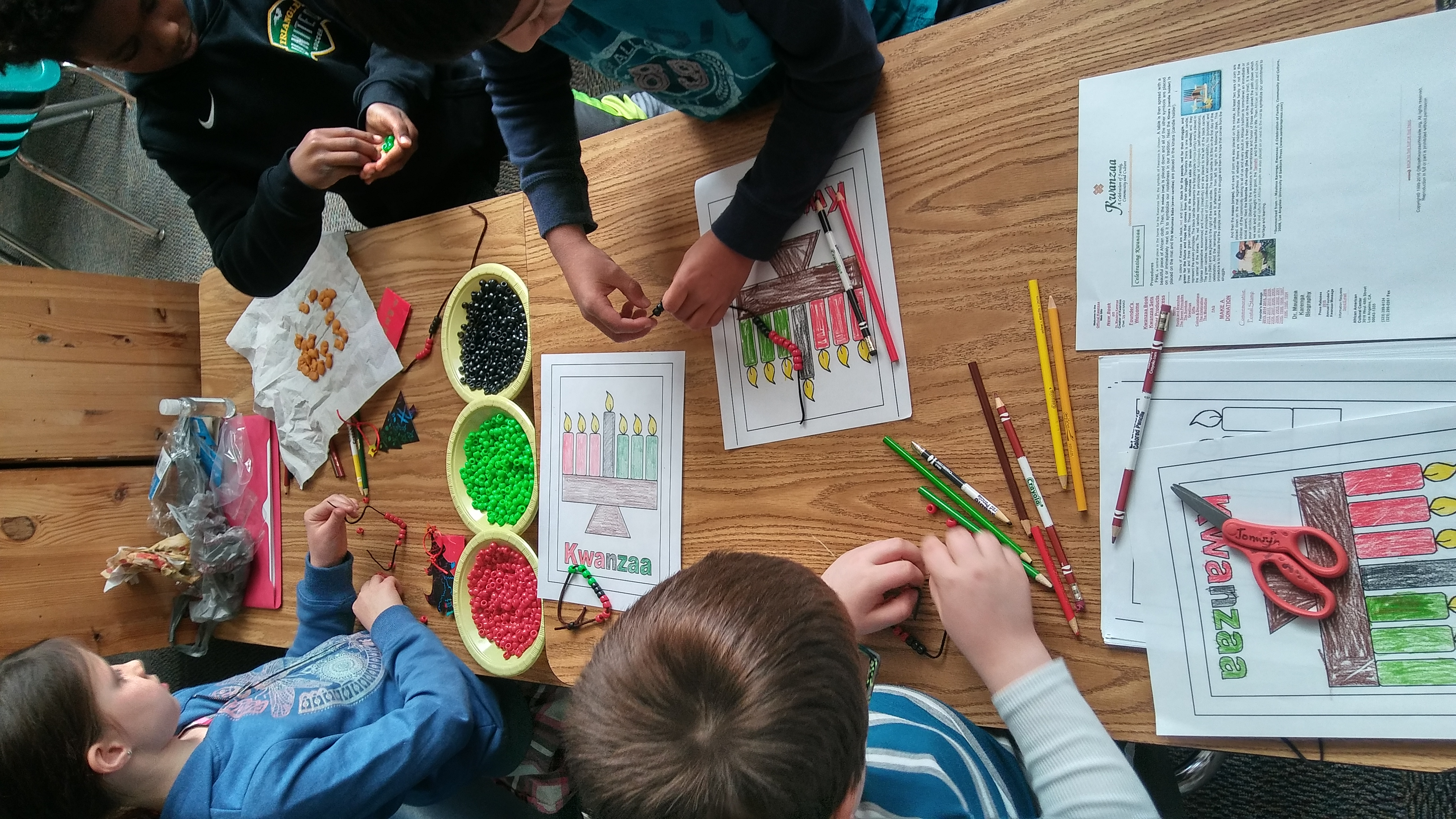 Kwanzaa Holiday Kids Crafts