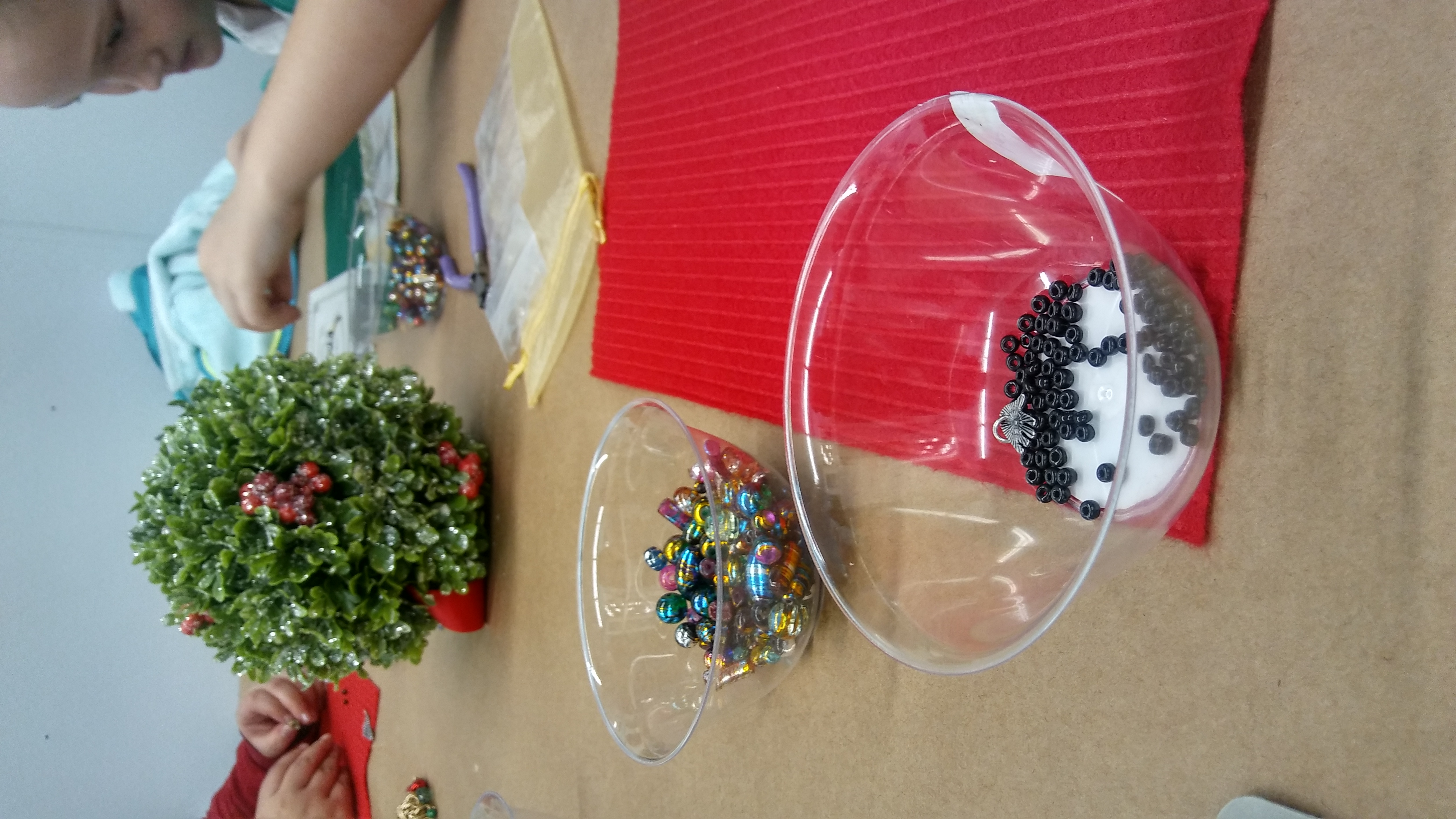 "Girl scout- Coastal Pines ""Christmas Party"" Earn your Jewelry Making Badge!"
