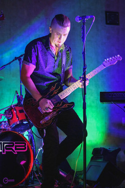 MIKE REEVES BAND LIVE TWIN ARROWS CASINO