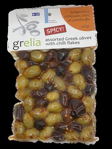 Gemischte Oliven mit Chiliflakes pikant