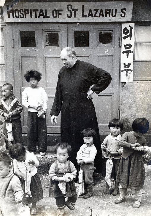 스위니 신부님(라자로마을)(1958년)001.jpg