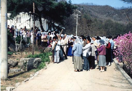 마을가족 십자가의길.jpg