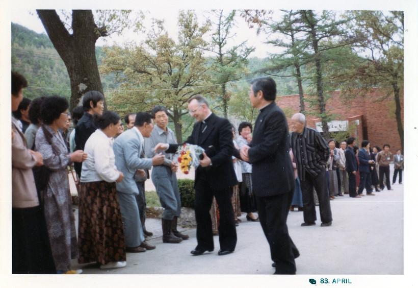 5대 몬떼리시 교황대사002(1983년 4월)