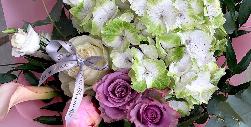 Classic hand tie Bouquet