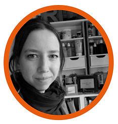 Dora van Elburg_rond kader.jpg