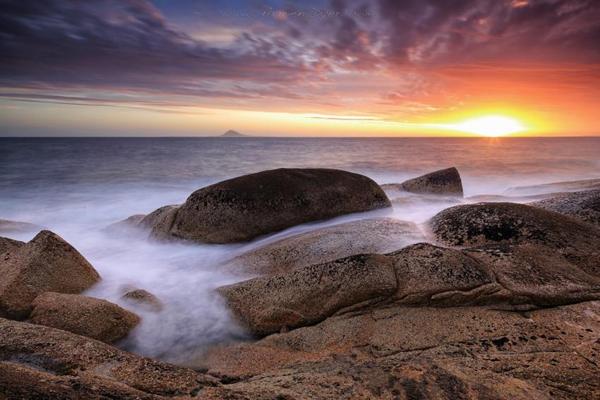 Trousers-Point-Flinders-Island-Tasmania-by-Arwen-Dyer-1024x683