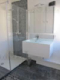 décoration transformation d'une salle d'eau dans une maison ancienne à bordeaux par le grain de sel décoration