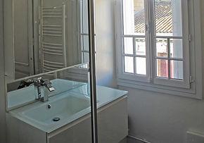 décoration transformation d'une salle d'eau avec meuble vasque dans une maison ancienne à bordeaux par le grain de sel décoration