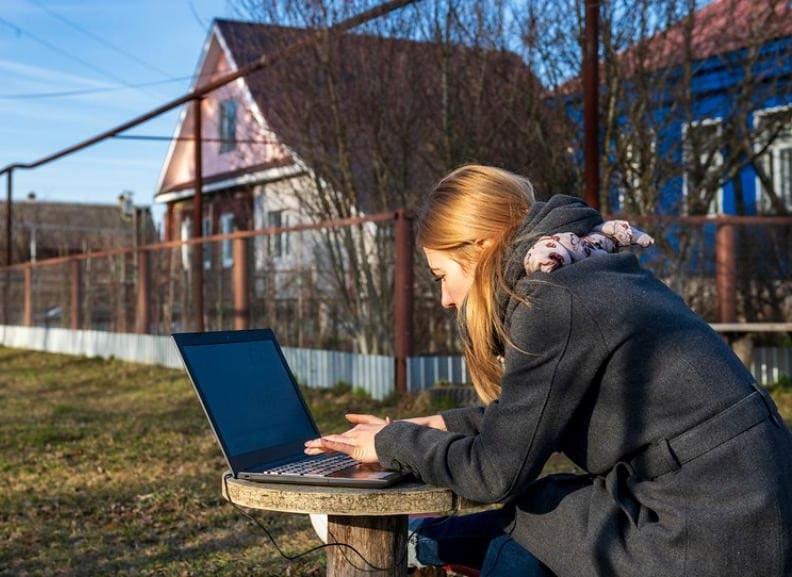 Зарабатывать в интернете на удалёнке