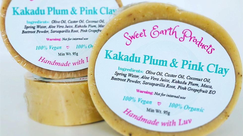 Kakadu Plum (Round) & Pink Clay on Aloe Vera