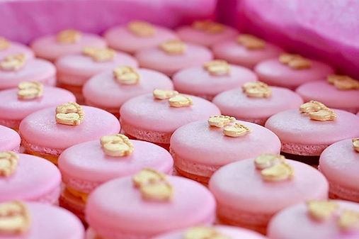 It's a girl! 💕💕Baby-steps Macarons....