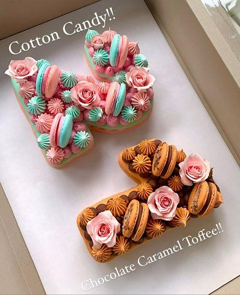 21 - Macaron Cake.jpg
