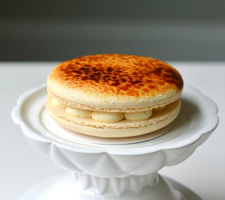 Creme Brulee Mini Macaron Cake