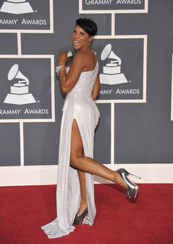 Toni Braxton 2012 Grammys