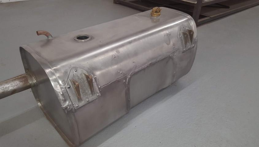 Lagonda fuel tank