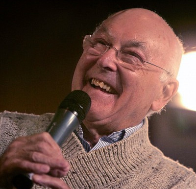 F1 commentary legend Murray Walker dies aged 97
