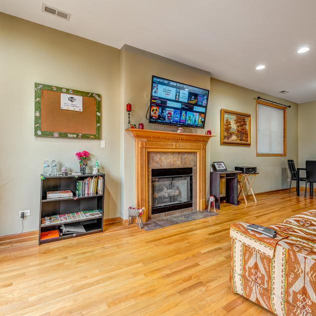 5848-Prairie-Downstairs-Living-Room-1.jp