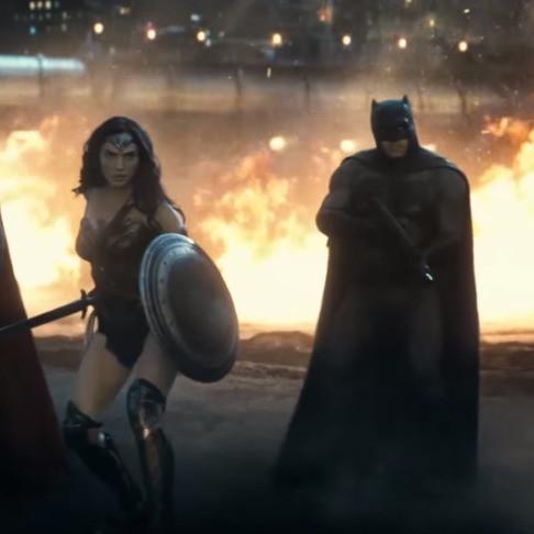batman fighting alongside wonderwoman