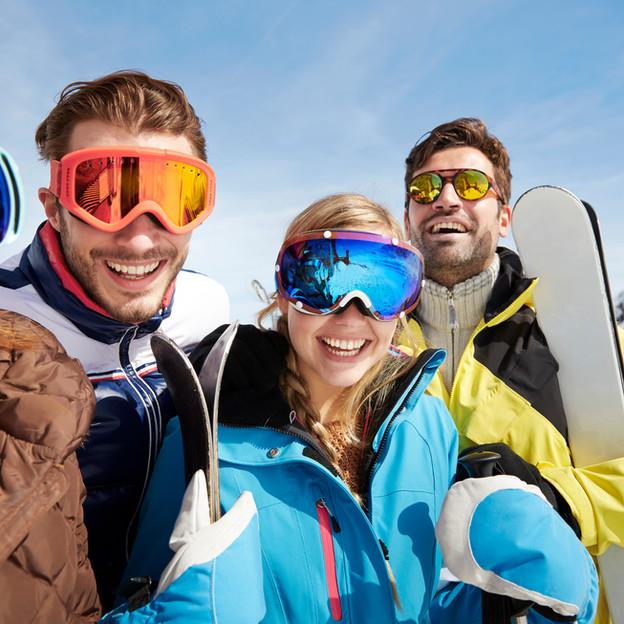 Ski fahren im Winter