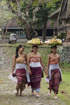 Girls at Tenganan.jpg