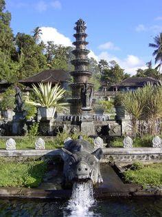 Tirta Gangga holy temple.jpg