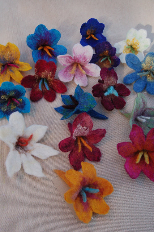 Make a 3D Wet Felted Brooch with Amanda Critchlow