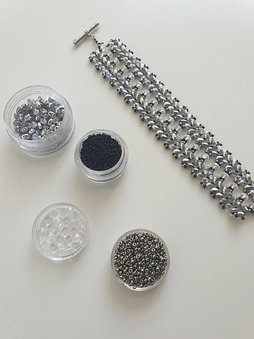 ערכה להכנת צמיד טווין רחב- מחרוזי מיוקי 15 וחרוזי קריסטל צ'כי צבע כסף שחור