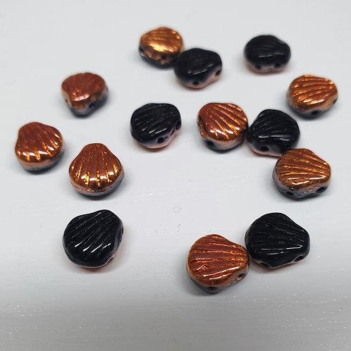 חרוז Shell Douo צדף עם שני חורים צבע שחור עם אפקט צד אחד מלוכלך