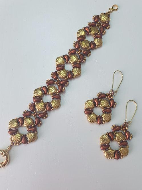 ערכה להכנת עגילים וצמיד Shell Douo בשילוב חרוזי זולידו צבע זהב חמרה