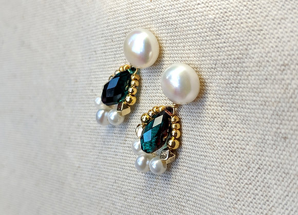 Vintage style deep green& purple Austrian crystals earring with button pearl