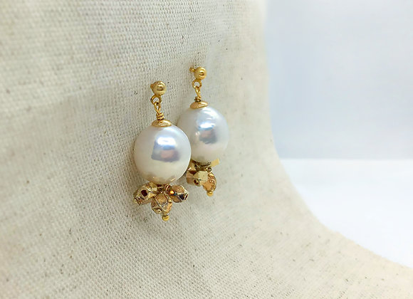 Gloden Vintage style earring with huge baroque pearl
