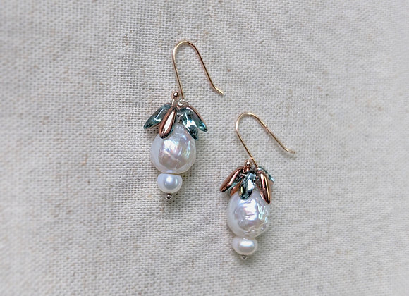 Beaded rose gold cute style earring with Baroque pearl