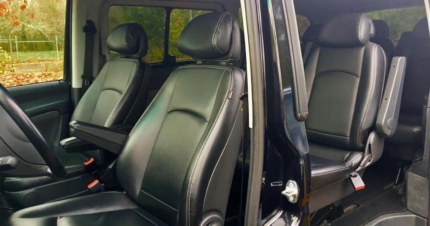 Location Minibus VIP Bordeaux. LCB Tourisme Location autocar Bordeaux et location minibus Bordeaux