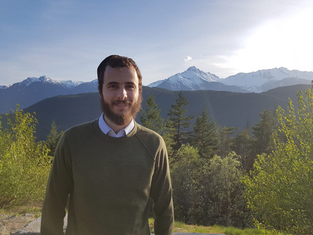 The Sinha Lab welcomes a new intern - Joseph Weiss