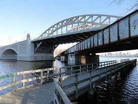 Boston_University_Bridge_-_Boston_to_Cam