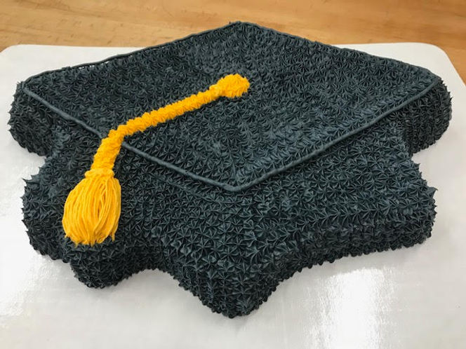 Graduation Cap Cake - La Imperial Bakery