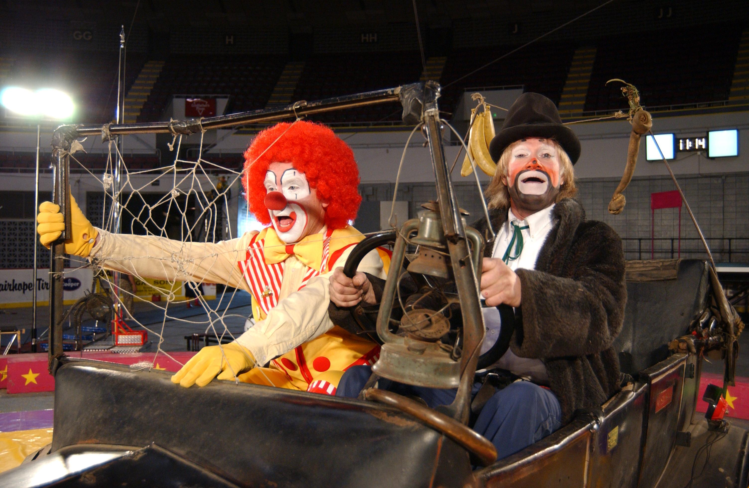 Garden bros circus - Dayton home and garden show 2017 ...