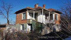 Kirilovo House Copyright Rayne Hall.jpg