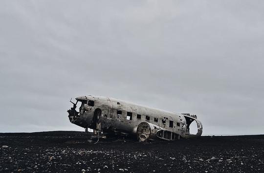wreck-landscape-europe-iceland.jpg