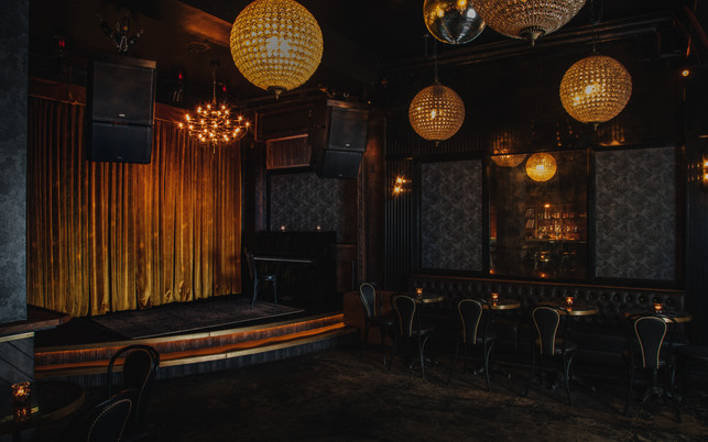 Night Palm Gold Diggers Bar