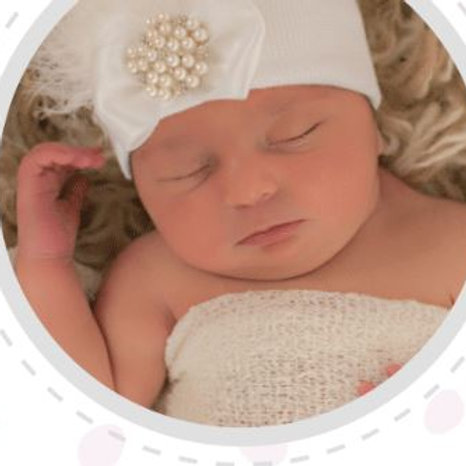 ilybean White Fancy Feather Hat