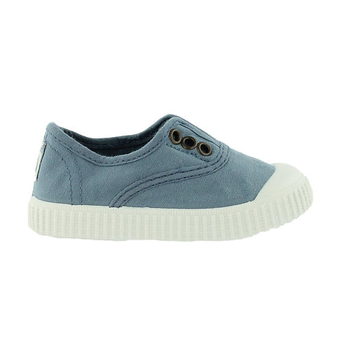Victoria Slip Ons Azul (light blue)