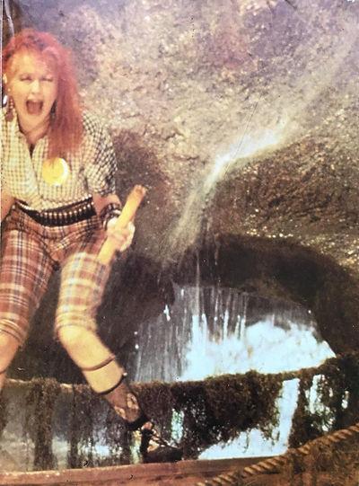Cyndi Lauper Magazine (Inter) (2).jpeg