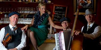 Cécile_Rose_&_Trio_Scho_an_der__Bar.JPG